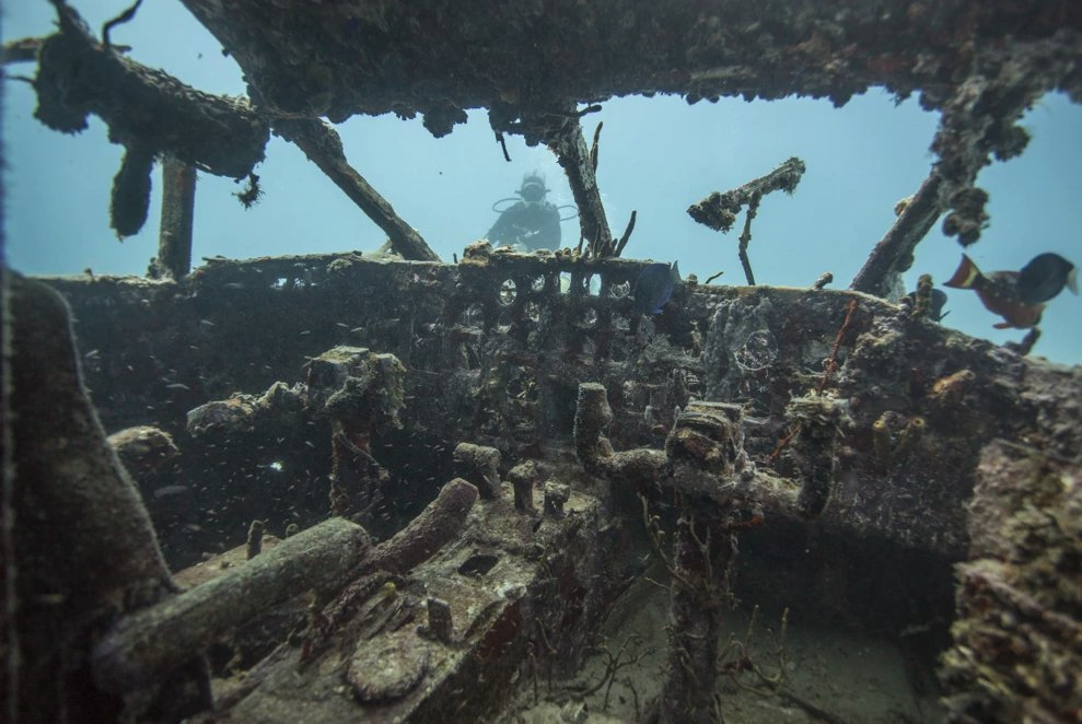 Dive sites include old shipwrecks near Virgin Gorda